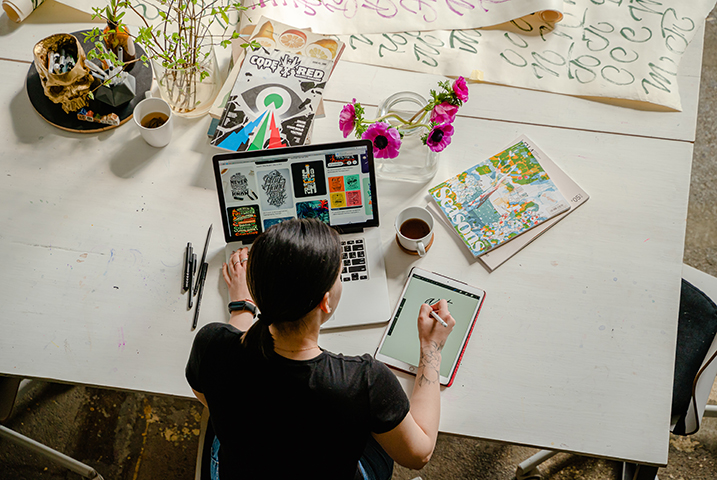 Illustrator drawing, how much do freelance illustrators charge, freelance illustration rates, hire a freelance illustrator, illustrator rates, professional illustrators