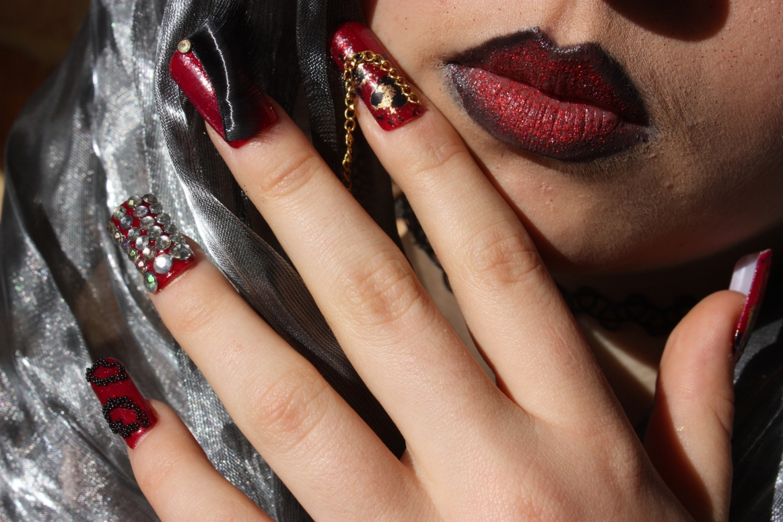 Donna Legge Nail Art